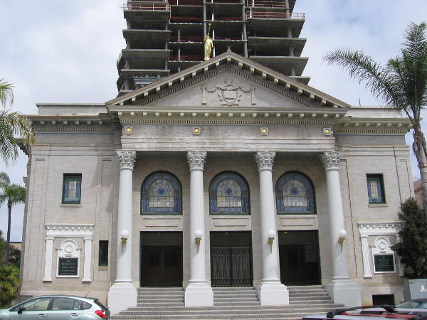 The 1910 Park Place Methodist Episcopal Church was built in the Classical Revival style, which is quite unusual in San Diego.