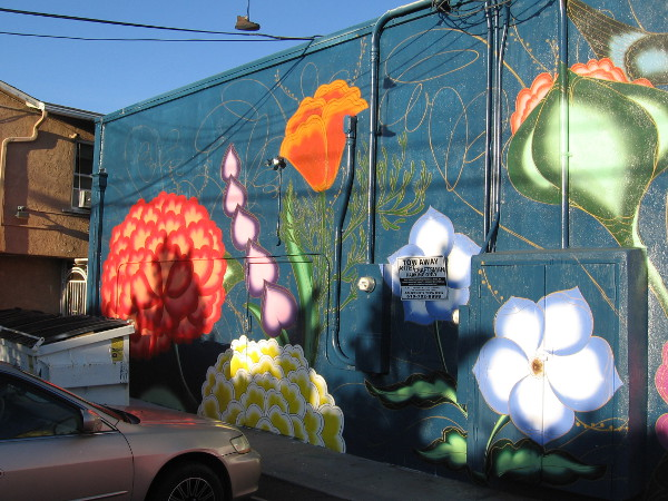 The left part of the mural. Like an underwater garden.