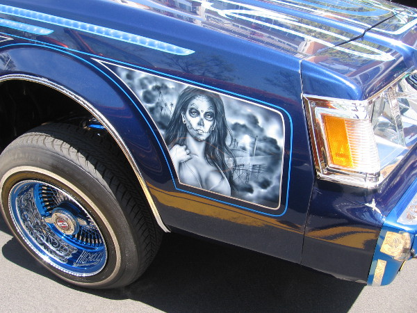 A cool design on the side of one very cool car!