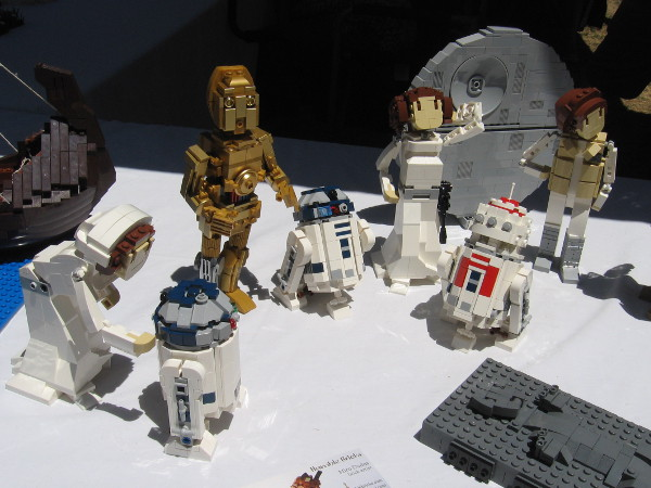 Now let's check out some cool Star Wars characters made of LEGO bricks. These were created by Miro Dudas of Humble Bricks.