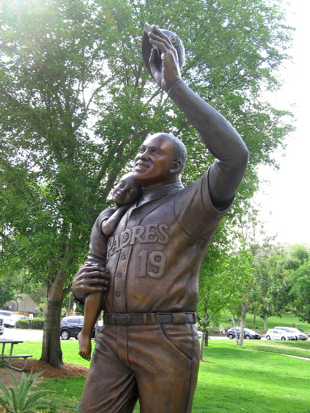 A statue of Tony Gwynn was dedicated last Tuesday at Lake Poway, near the place he called home.