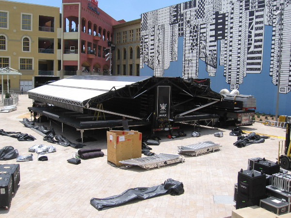 A huge IMAX movie screen is being set up in Horton Plaza Park for 2017 San Diego Comic-Con!