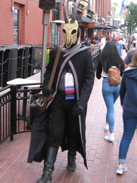 Warlock cosplay from video game Destiny.