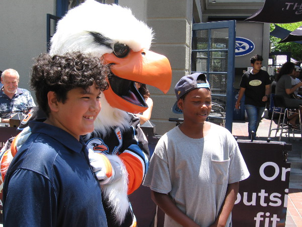 It's Gulliver of the San Diego Gulls hockey team at Comic-Con!