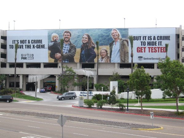 The first huge banners have appeared on a San Diego building for 2017 Comic-Con, several weeks before the international pop culture event!