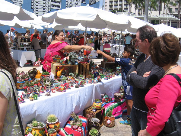 Lots of cool crafts and artwork was for sale!