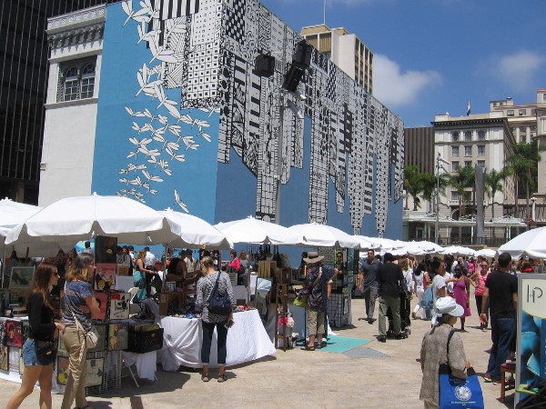 It appears a good crowd turned out for SoCal Etsy Guild Market in downtown San Diego!