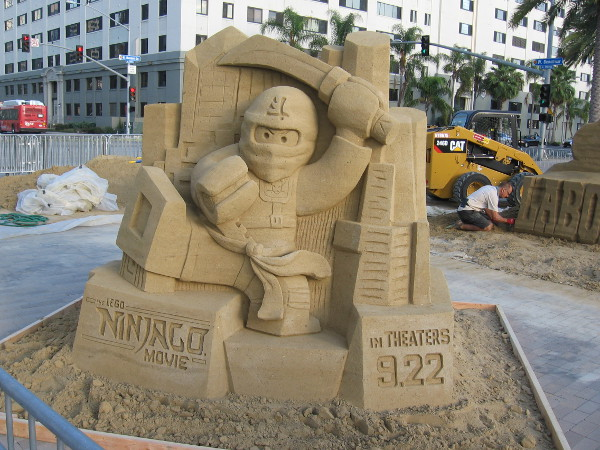 And here's the super cool LEGO Ninjago Movie sand sculpture--all done!