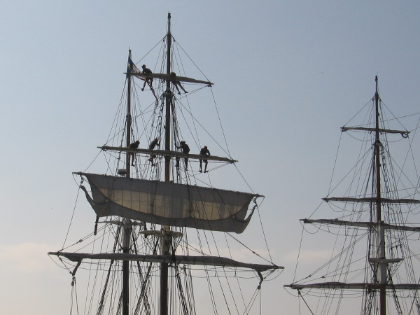Sky-riding sailors, a common sight in the bygone Age of Sail.