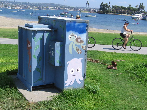 Fun street art in Mission Beach, a short distance from Mission Bay. Characters from the movie Finding Nemo have been painted on a utility box!