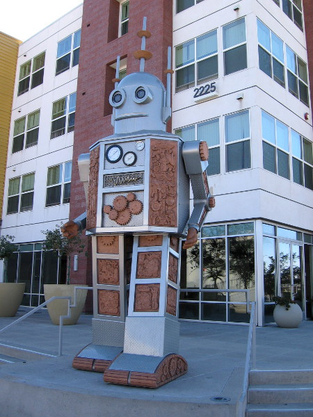 The cool robot sculpture, made of steel and stone, was created by artists Einar and Jamex de la Torre.