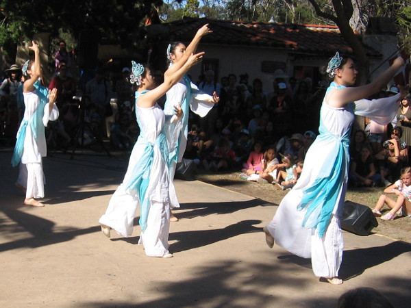A graceful performance by members of the UCSD Chinese Dance Association.