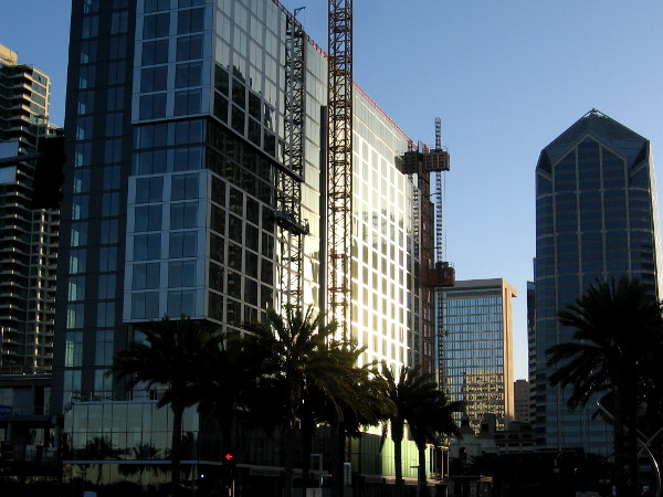 The InterContinental Hotel rising beside San Diego's Embarcadero is beginning to appear complete.