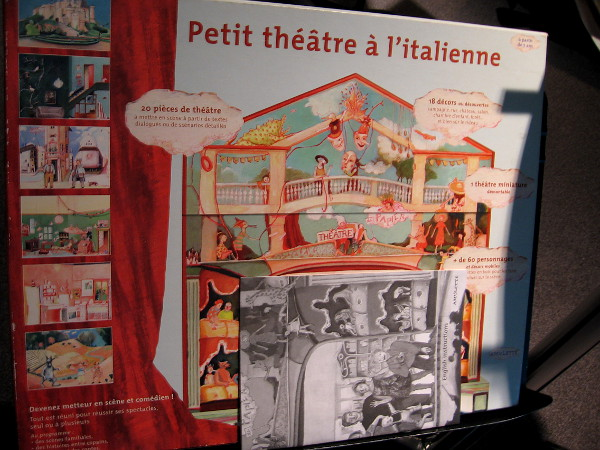 An example of a French paper theatre kit.
