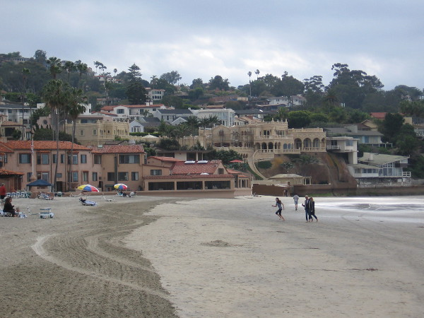 Now we are walking south along the shore past the sprawling La Jolla Beach and Tennis Club resort.