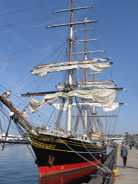 The three-masted clipper ship Stad Amsterdam docked near the Maritime Museum of San Diego.