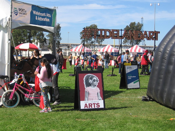 Cesar Chavez Park in Barrio Logan was the venue today for a fun show by the Fern Street Circus, hosted by the Port of San Diego.