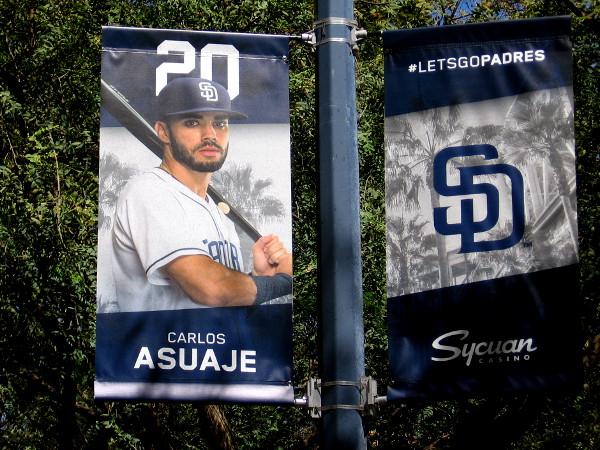 20 Carlos Asuaje 3B