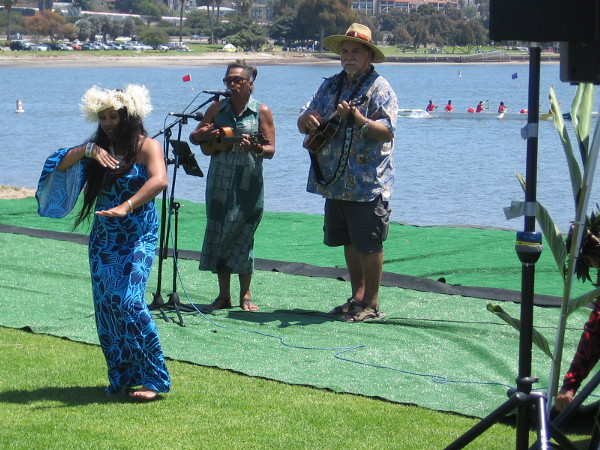 Hawaiian music and dance in sunny San Diego!
