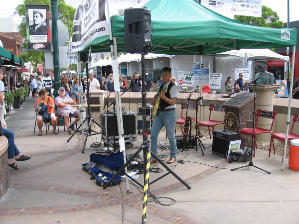 More musical entertainment in Piazza Basilone.