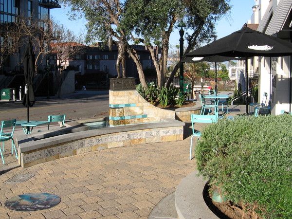 Piazza Pescatore is a beautiful place to relax and linger at the corner of Kettner Boulevard and Fir Street.