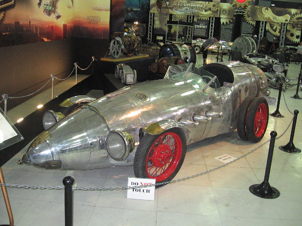 The Rocket Roadster, a driveway build by Baron Margo.