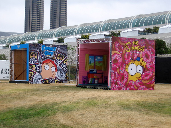 In the FOX section behind the convention center, small rooms have appeared featuring Family Guy and The Simpsons.