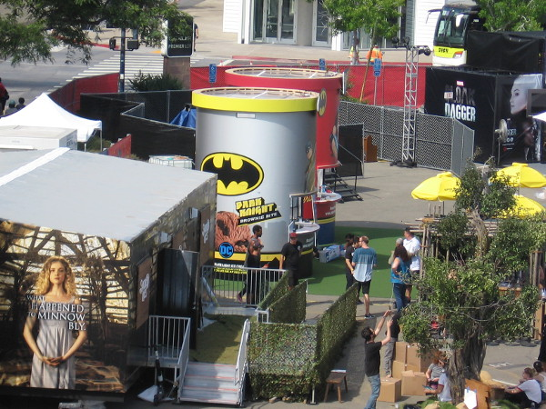 Wow! Wonder Woman isn't the only one offering ice cream at The Experience! Batman has a Dark Knight brownie bite!