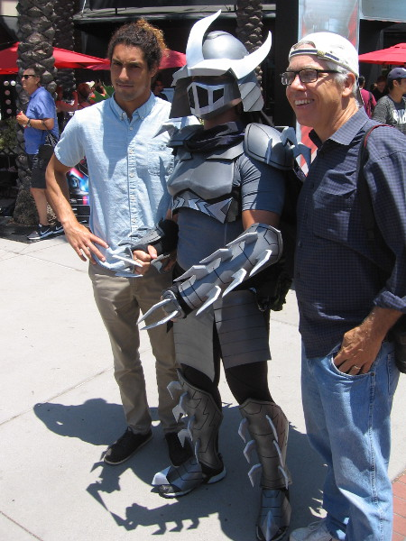 Cosplay of Shredder from the Teenage Mutant Ninja Turtles.