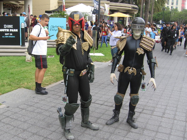 Judge Dredd and Judge Death cosplay.