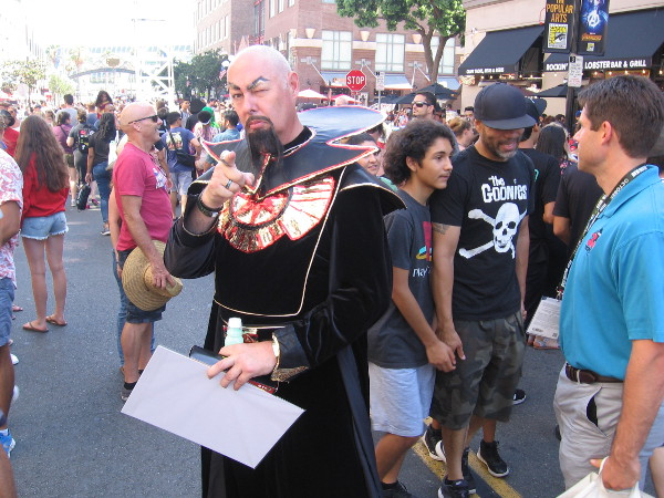 A great Ming the Merciless cosplay!