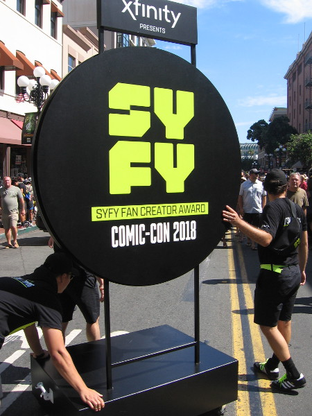 Look what's coming down Fifth Avenue! It's the Syfy Fan Creator Award show for Comic-Con 2018!
