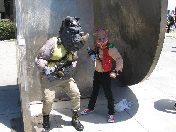Cosplay of Rocksteady and Bebop from the Teenage Mutant Ninja Turtles!