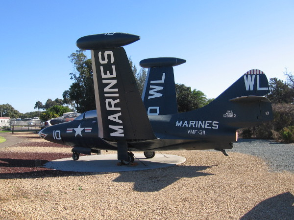 Grumman F9F-2 Panther.