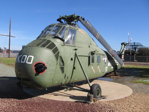 Sikorsky HUS-1 (UH-34D) Seahorse.