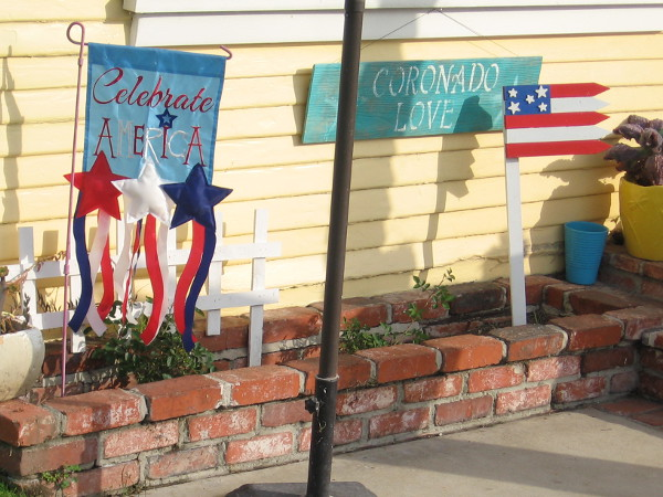 Many homes had patriotic banners and decorations. Most residents in Coronado support our country and our liberty.