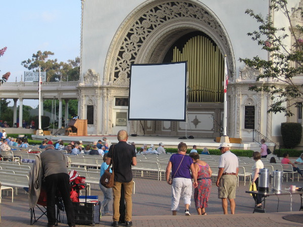 The screen is set up. The concert will begin with selections by organist Steven Ball. Once darkness falls, the silent movie Safety Last will begin, accompanied by the Spreckels Organ.