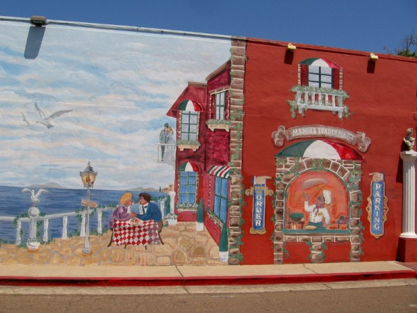Mural on wall of Mangia Italiano on Third, by Danos Designs.