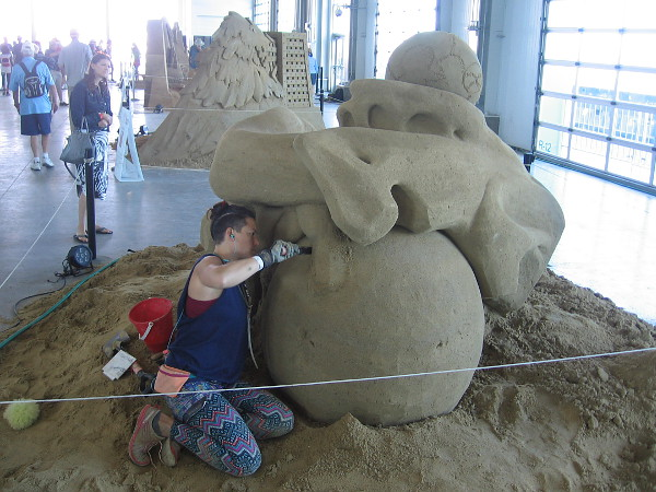 Morgan Rudluff works to finish her sculpture by early afternoon, to meet the competition's deadline.