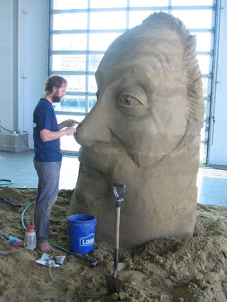 An eye-catching photo of an eye-popping sand sculpture!