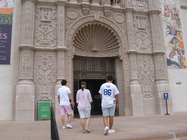 This group wanted to see fine art so they headed into the San Diego Museum of Art.