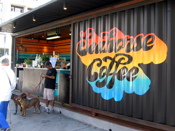 A quick snack or drink can be had at the Seahorse Coffee shack out on the sidewalk.