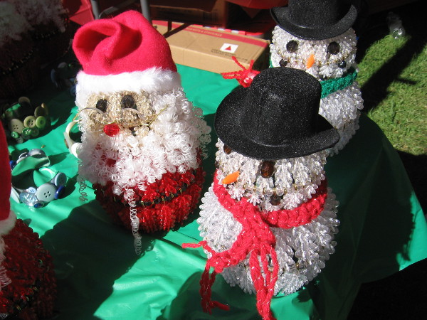 Many fun holiday crafts and decorations can be enjoyed throughout Balboa Park during December Nights.
