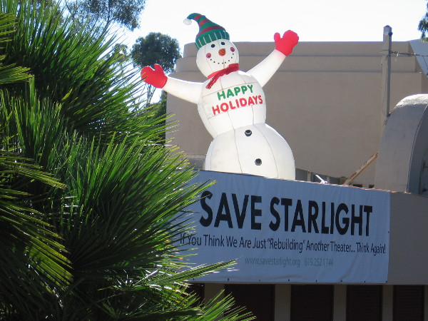 I headed over to the Starlight Bowl and spotted a happy snowman atop the outdoor amphitheater's roof.