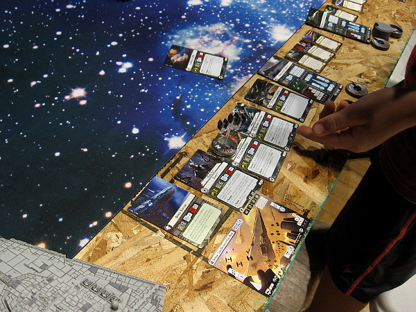 Cards are used to keep track of Rebel and Imperial fleet ship status during play.
