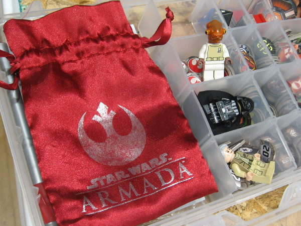 I see cool LEGO Star Wars figurines of Fleet Admiral Gial Ackbar and Darth Vader.