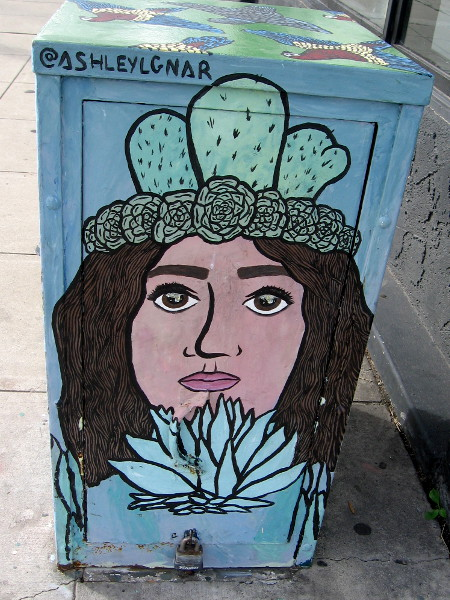 Looks like a crown of prickly pears atop this beautiful female face. @ASHLEYLGNAR