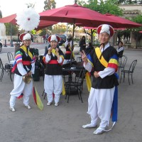 Asian arts come to life on museum's front steps!