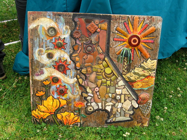 An amazing Golden State mosaic made from small bits of litter!