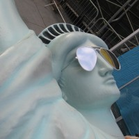 Statue of Liberty arrives for Comic-Con!